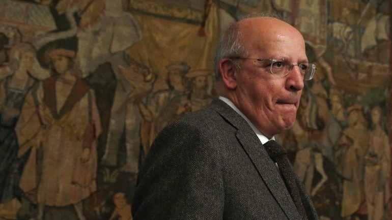 - Augusto Santos Silva - Livre circulação : Acordo da CPLP pode incluir direito a residir em Portugal sem contrato de trabalho