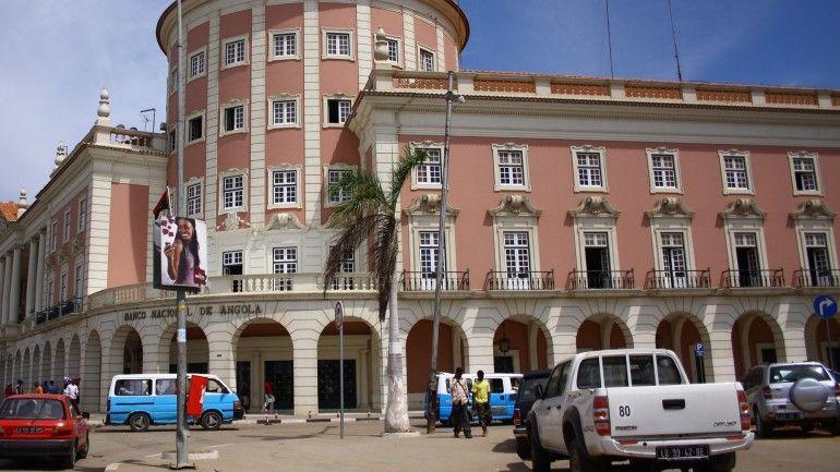 angola falha compromisso internacional e compromete o regresso das divisas - BNA - Angola falha compromisso internacional e compromete o regresso das divisas