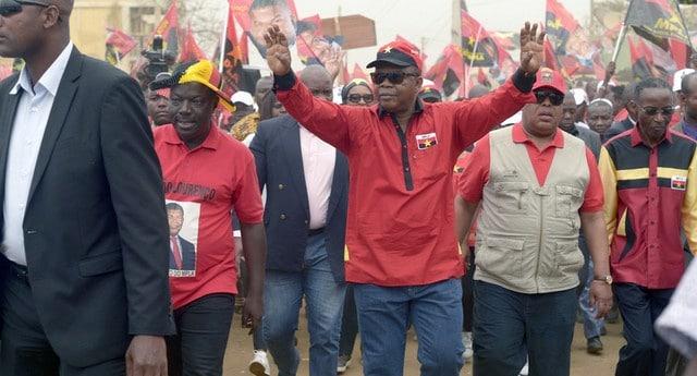 - JLO MARCHA - MPLA obtém maioria esmagadora em cinco províncias, mas resultados nacionais preocupam militantes