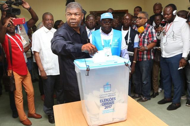 """- JLO VOTA - Houve """"pequenas falhas"""" mas as eleições da mudança entraram na História"""