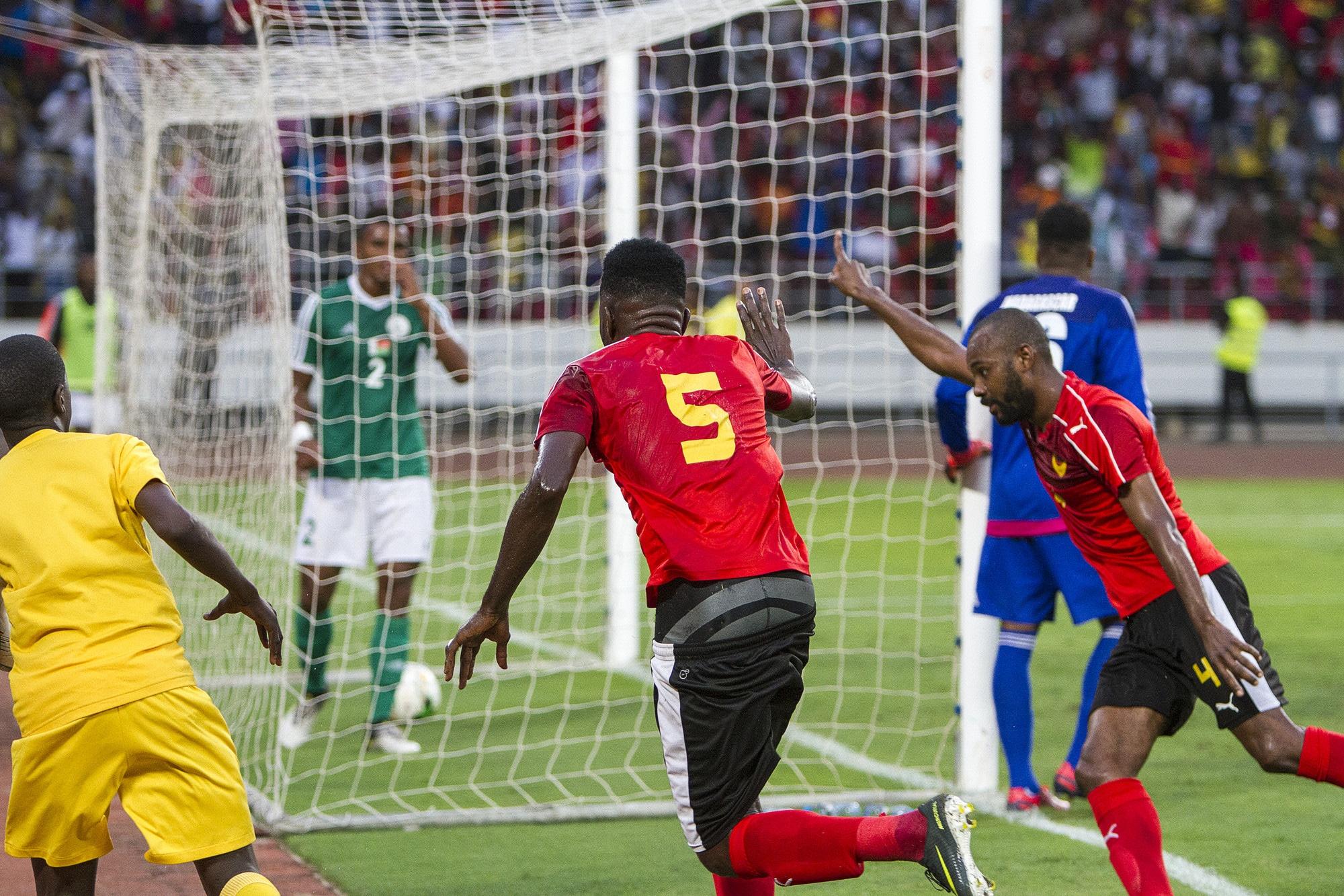 - Selecc  a  o Angola - Angola desiste da Taça Cosafa