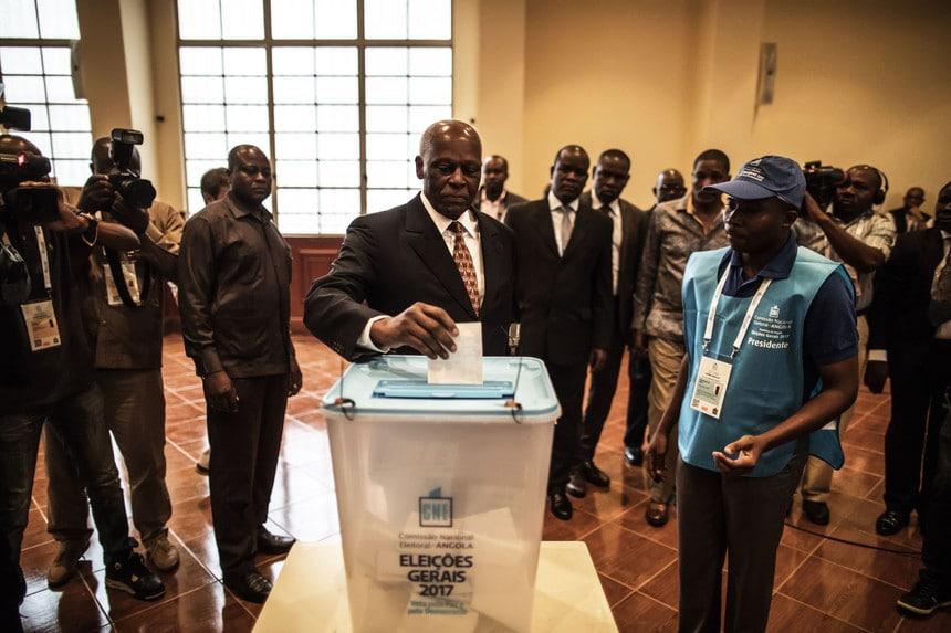 - jes voto - Eleições/2017: Presidente da República votou cedo na Assembleia de voto 1047
