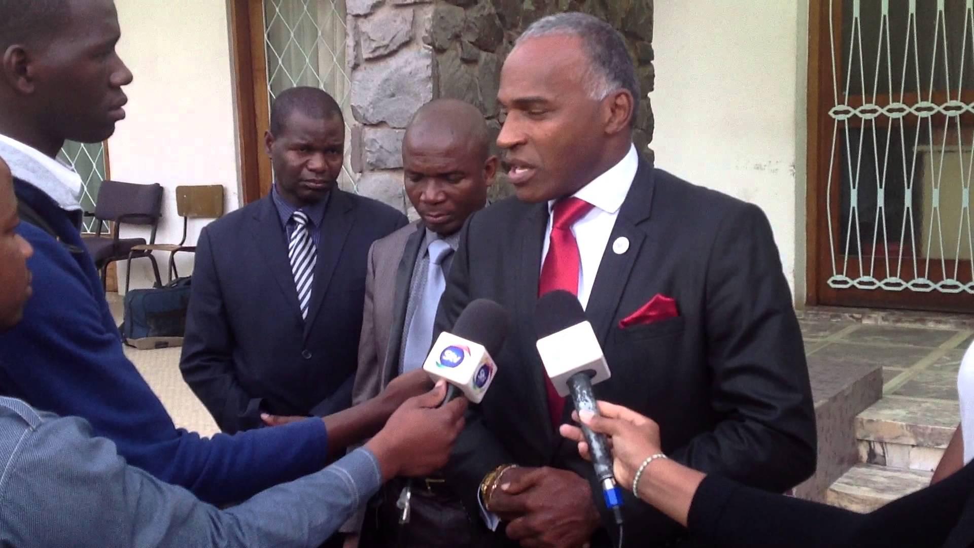 """- maxresdefault - Presidente do extinto PREA """"entrega-se"""" ao MPLA porque é o """"mais forte e organizado"""""""
