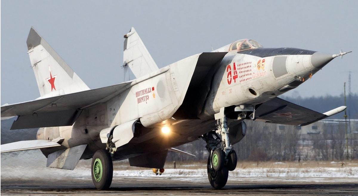 - mikoyan gurevich mig 25rb russia   air force an2195954 - Americanos e sul-coreanos demonstram força à Coreia do Norte