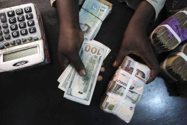 - rtr4pbi4 620x413 - Angola já pode optar por cobrar impostos em moeda estrangeira
