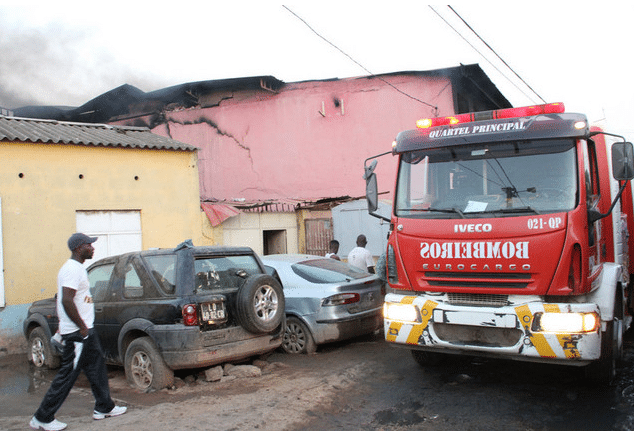 morre quarta vítima do incêndio no município do cazenga - 597090 - Morre quarta vítima do incêndio no município do Cazenga