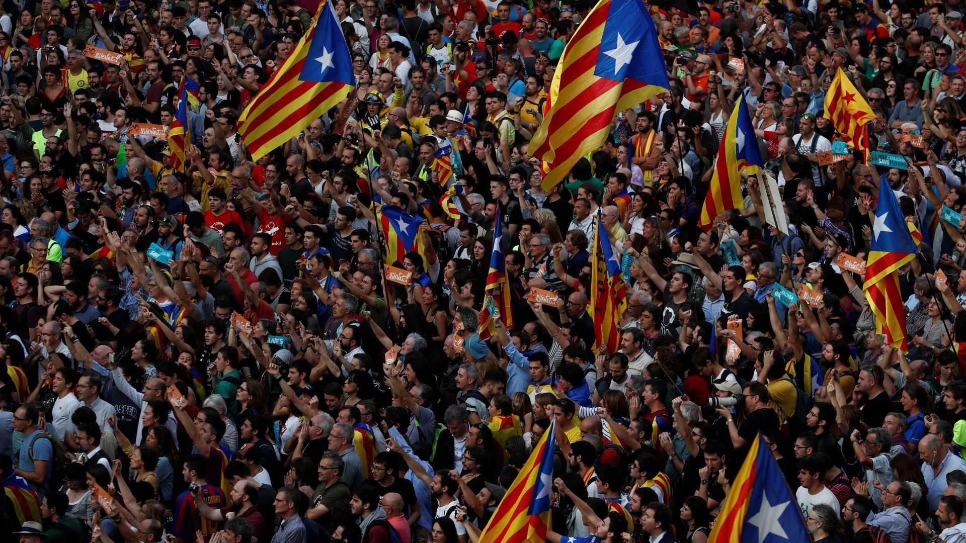 senado espanhol aprova artigo 155 da constituição e retira autonomia à catalunha - catalunha - Senado espanhol aprova artigo 155 da Constituição e retira autonomia à Catalunha
