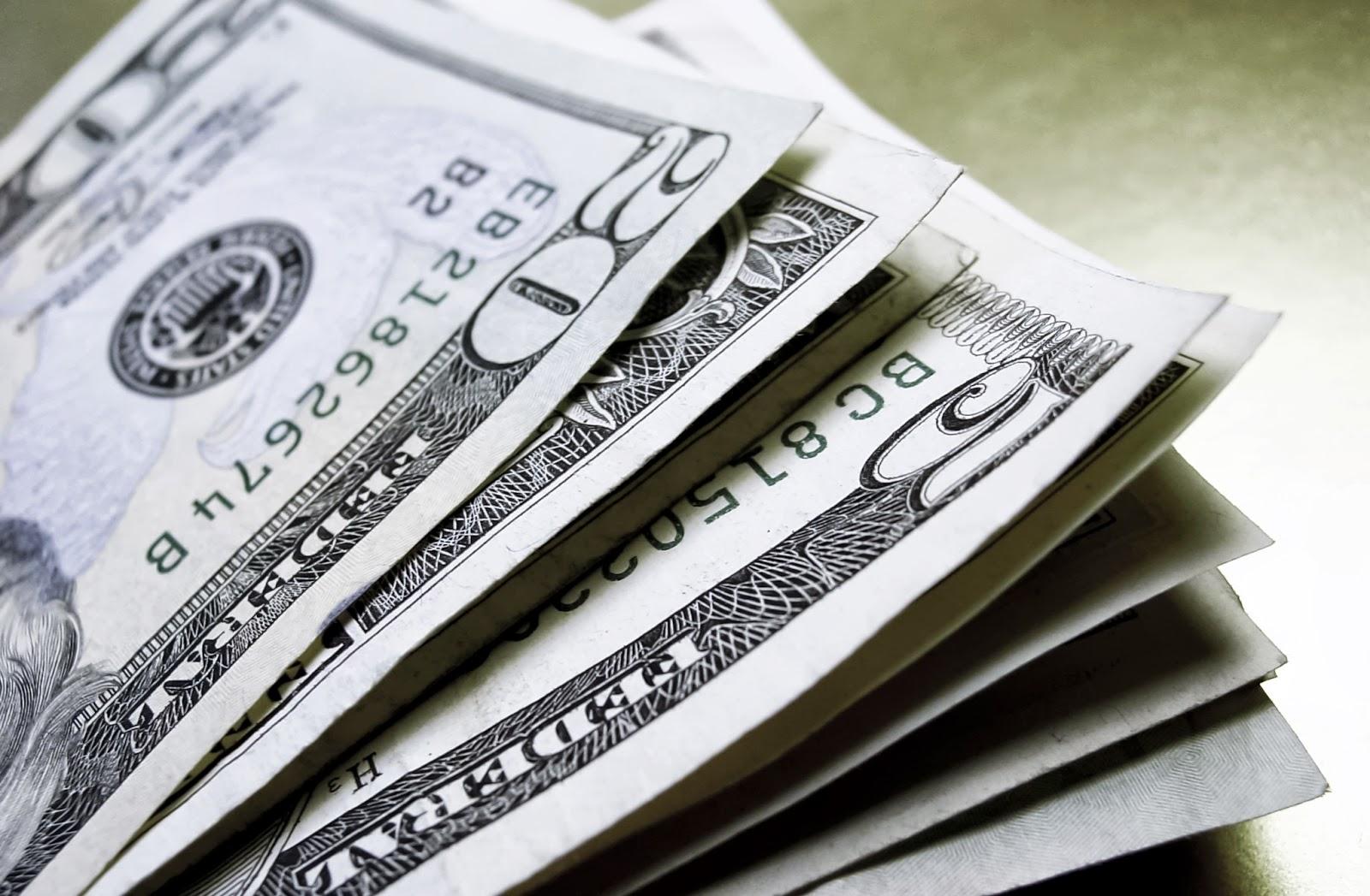 preço do dólar nas ruas de luanda dispara mais de 10% numa semana - dolar 1 8 - Preço do dólar nas ruas de Luanda dispara mais de 10% numa semana