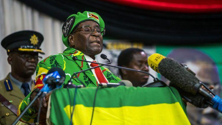 zuma falou com mugabe que confirmou estar detido e disse estar bem - mugabe - Zuma falou com Mugabe que confirmou estar detido e disse estar bem