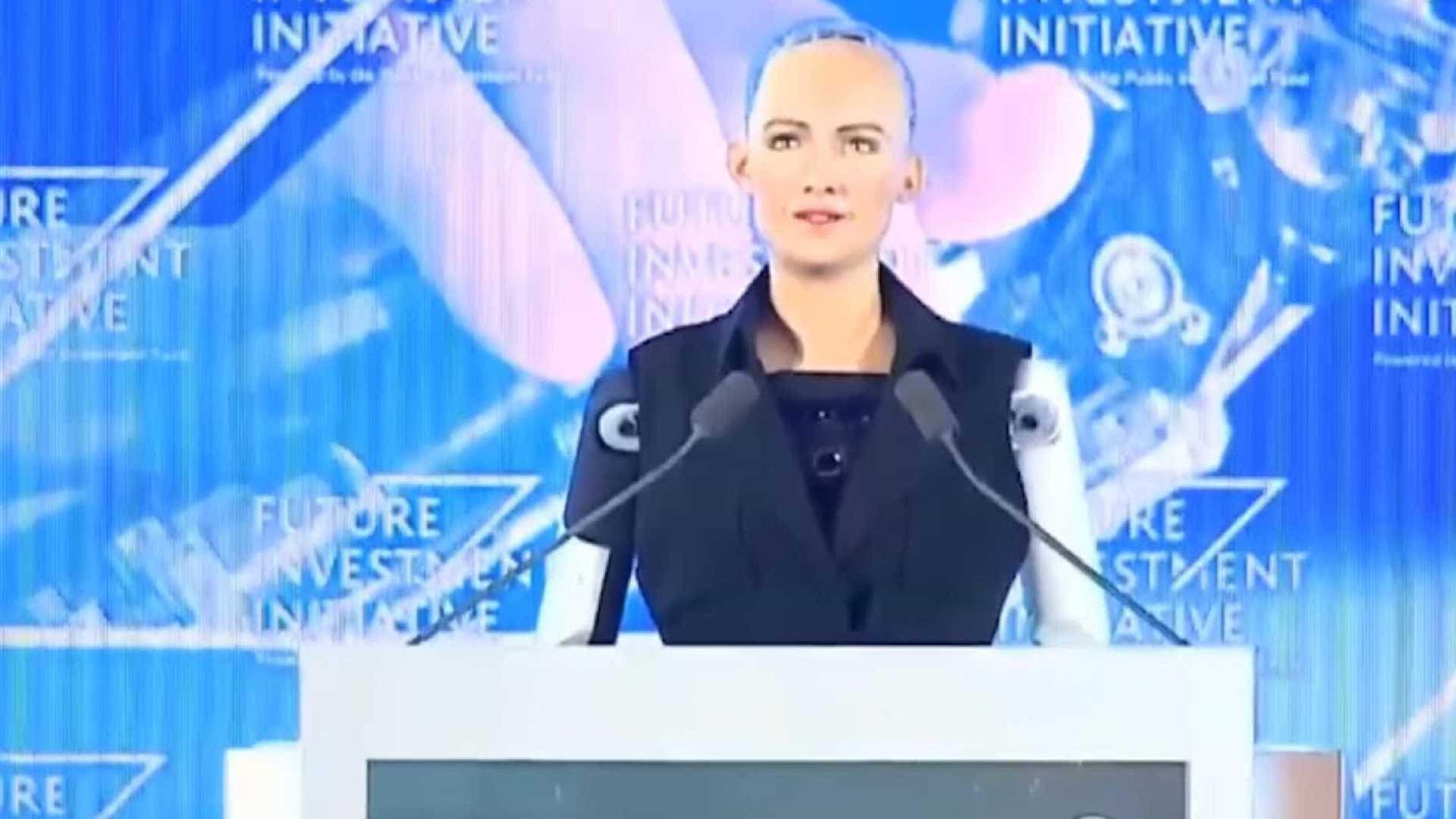 arábia saudita: robot recebeu cidadania e as críticas não se fizeram esperar - robot sophia - Arábia Saudita: Robot recebeu cidadania e as críticas não se fizeram esperar
