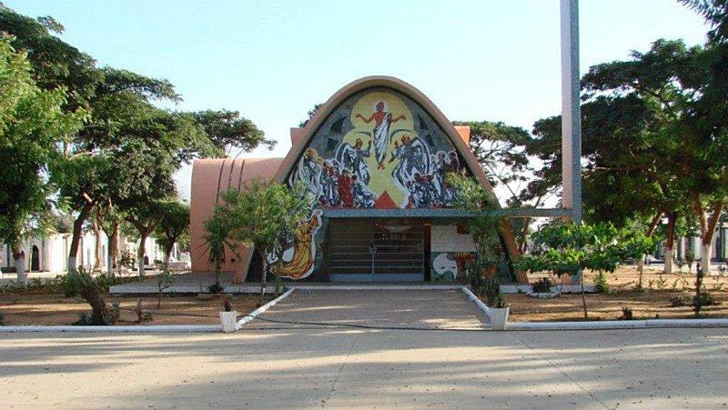 cemitérios em luanda vão cremar cadáveres - 016 capela 581556 - Cemitérios em Luanda vão cremar cadáveres
