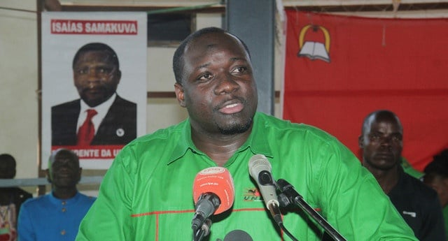 "rafael savimbi diz dispensar ""muleta"" do pai para chegar à liderança da unita - 048d18424 d037 4041 a19f f904bb9fad9d r NjQweDM0NQ - Rafael Savimbi diz dispensar ""muleta"" do pai para chegar à liderança da UNITA"