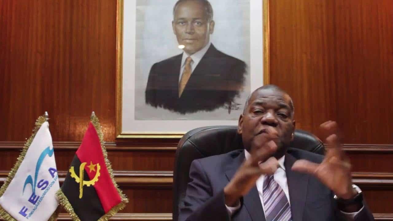 - FESA - Ex-presidente da República suspende actividades da FESA
