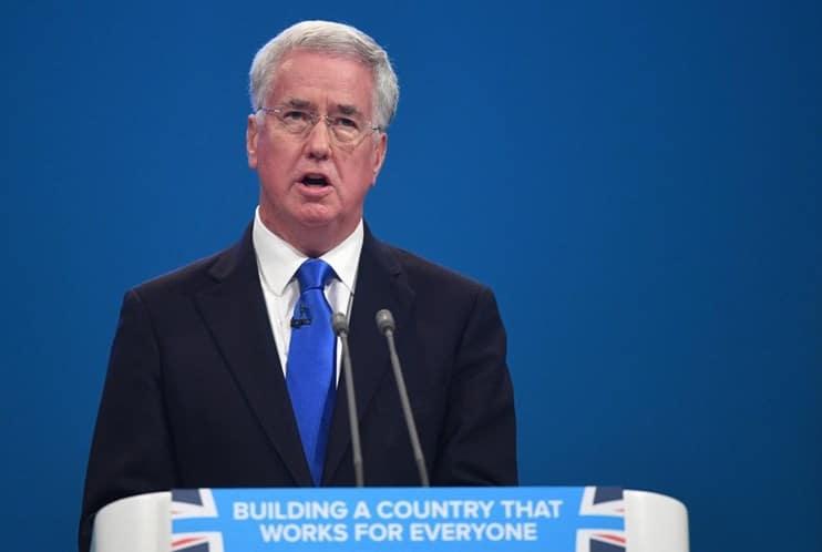 ministro britânico da defesa demite-se por assédio sexual - Michael Fallon - Ministro britânico da Defesa demite-se por assédio sexual