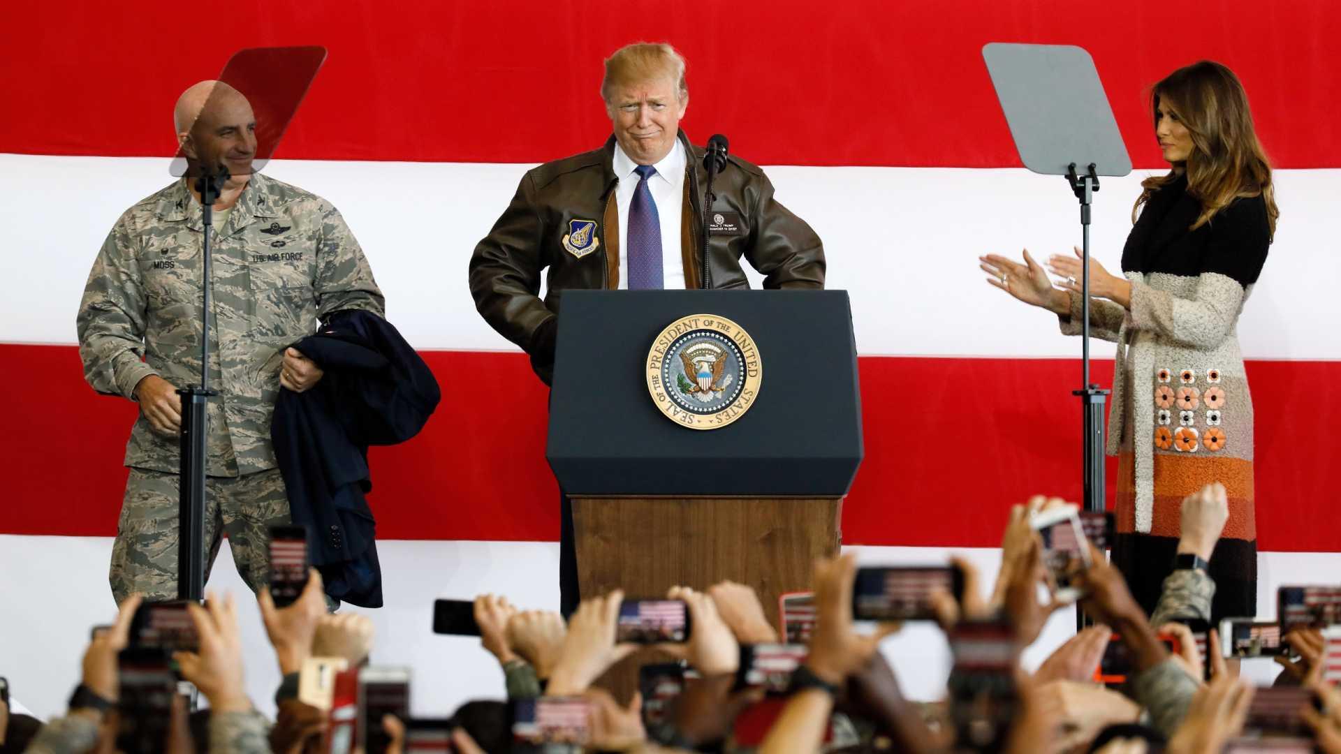 """""""nenhum ditador deve subestimar a determinação dos estados unidos"""" - donald trump - TRUMP - """"Nenhum ditador deve subestimar a determinação dos Estados Unidos"""" – Donald Trump"""