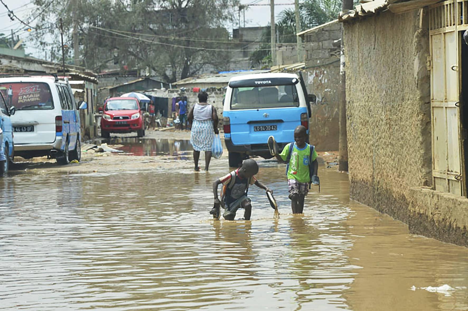 chuva em luanda causa três mortes - cms image 000004302 - Chuva em Luanda causa três mortes