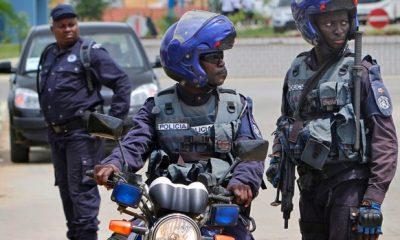 - Policia angola 400x240 - Operação Transparência chega em Luanda