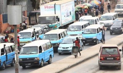 [object object] - Taxi em Luanda 400x240 - Taxistas em Luanda alteram preço de corrida por alegada escassez de combustível