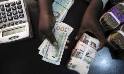 bna revela existência de 30 bilhões de dólares pertencentes a angola  no exterior - dinheiro 400x240 - BNA revela existência de 30 bilhões de dólares pertencentes a Angola  no exterior