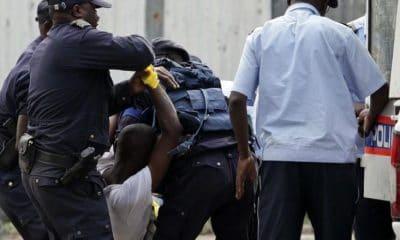 - policia nacional faz um balanco positivo 1483293556 b 400x240 - Detidos dois envolvidos na rixa do Rocha Pinto