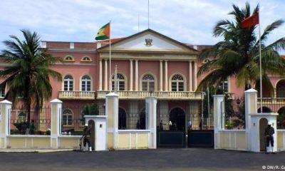 - Parlamento Sao tome 400x240 - Adolescente morto em manifestação contra IURD em São Tomé