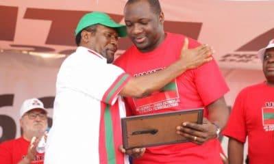 - SAMAS e MASSANGA 400x240 - Rafael Savimbi, é o único deputado que rejeitou Lexus atribuído pela assembleia Nacional