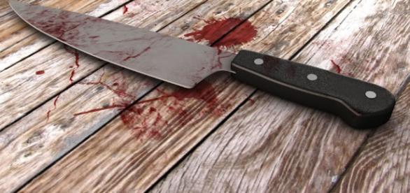 - Faca Arma branca - Jornalista da Rádio Eclesia no Cunene assassinado por desconhecidos