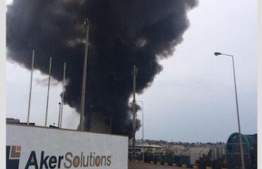 base da sonils é atingida por incêndio de grandes proporções - SONILS Incendio 373x240 - Base da SONILS é atingida por incêndio de grandes proporções