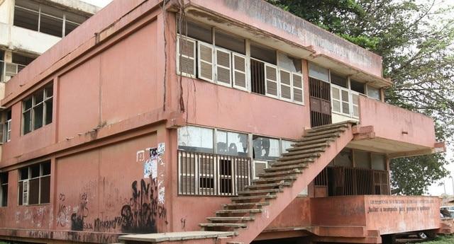 escolas de luanda em risco de desabamento aos olhos de quem governa - 098045799 3bd5 4be4 9a71 badc05b80ad2 r NjQweDM0NQ - Escolas de Luanda em risco de desabamento aos olhos de quem Governa