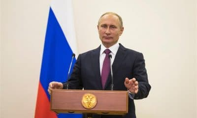 - Putin 400x240 - Rússia debate lei que vai permitir desligar-se da rede mundial de internet