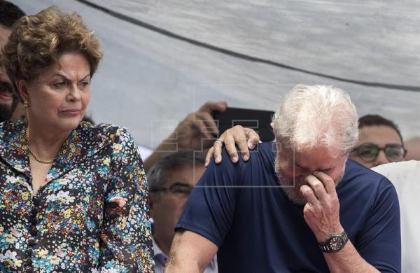 lula da silva condenado a 12 anos e 11 meses de prisão em novo processo - Dilma e Lula - Lula da Silva condenado a 12 anos e 11 meses de prisão em novo processo