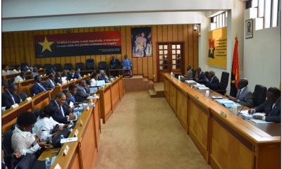 bureau político do mpla reuniu hoje. preparação da próxima reunião do comité central também esteve na agenda - MPLA 400x240 - Bureau Político do MPLA reuniu hoje. Preparação da próxima reunião do Comité Central também esteve na agenda