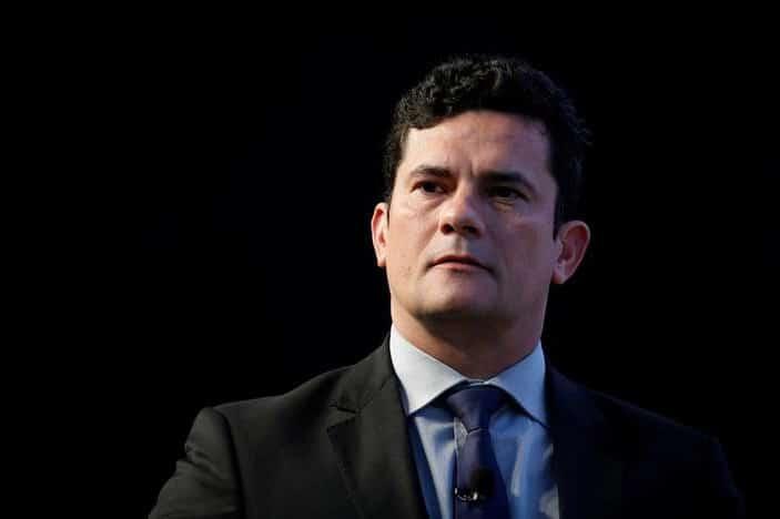 - Sergio Moro - Brasil: Moro diz que cargo de ministro é técnico e que mantém promessa de não ingressar na política