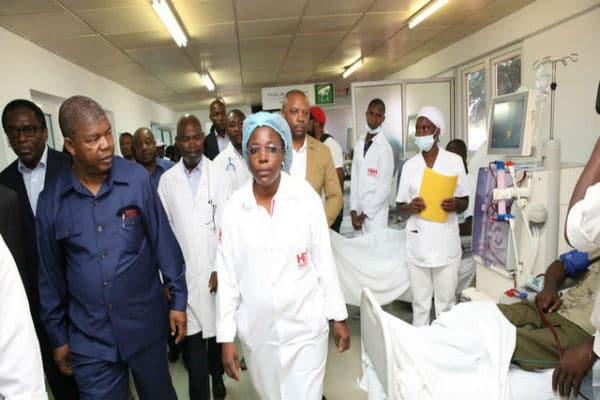- m  dicos e JLO - Médicos Angolanos declaram greve para os próximos dias, e prometem parar o País