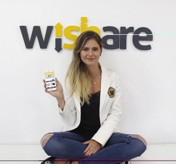 brasileira de 23 anos cria rede social para competir com instagram e facebook - Juliana Maia Klein fundadora da Wishare 560x523 - Brasileira de 23 anos cria rede social para competir com Instagram e facebook