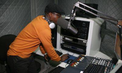 rádio ecclesia emite oficialmente no cunene - RADIO 400x240 - Rádio Ecclesia emite oficialmente no Cunene