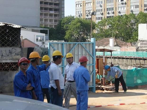 - Chines - Empresas chinesas interessadas nas privatizações em Angola