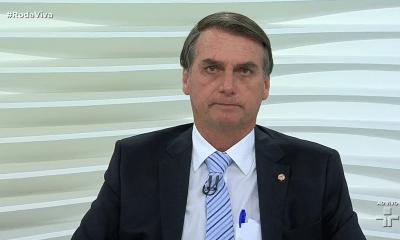 bolsonaro desconfia do sistema eleitoral e da subida do pt nas sondagens - Jair Bolsonaro 400x240 - Bolsonaro desconfia do sistema eleitoral e da subida do PT nas sondagens