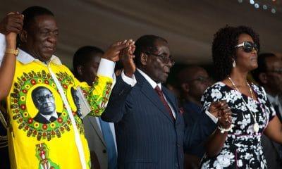 equipamento agrícola de herdade de mugabe vai a leilão no sábado - Robert Mugabe E Mnangagwa 400x240 - Equipamento agrícola de herdade de Mugabe vai a leilão no sábado