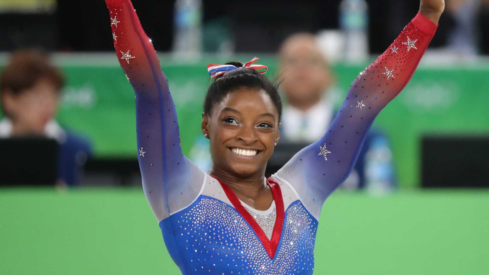 - Simone Biles - Simone Biles conquista inédito tetracampeonato mundial de ginástica