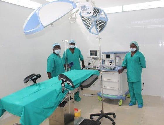 """- hospital 560x427 - Laboratório de análises clinicas próximos de Hospitais transformados em """"Candonga"""" de Médicos e Enfermeiros"""