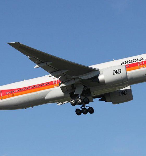 - taag angola airlines 560x600 - TAAG negoceia compra de novos aviões com Boeing e Bombardier