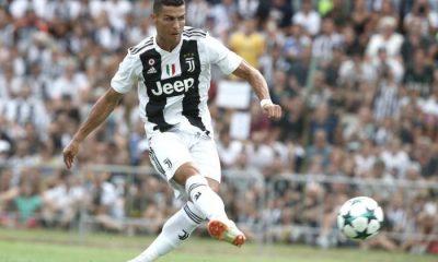 - CR7 JUVENTUS 400x240 - Juventus vence clássico contra Milan e amplia vantagem na liderança