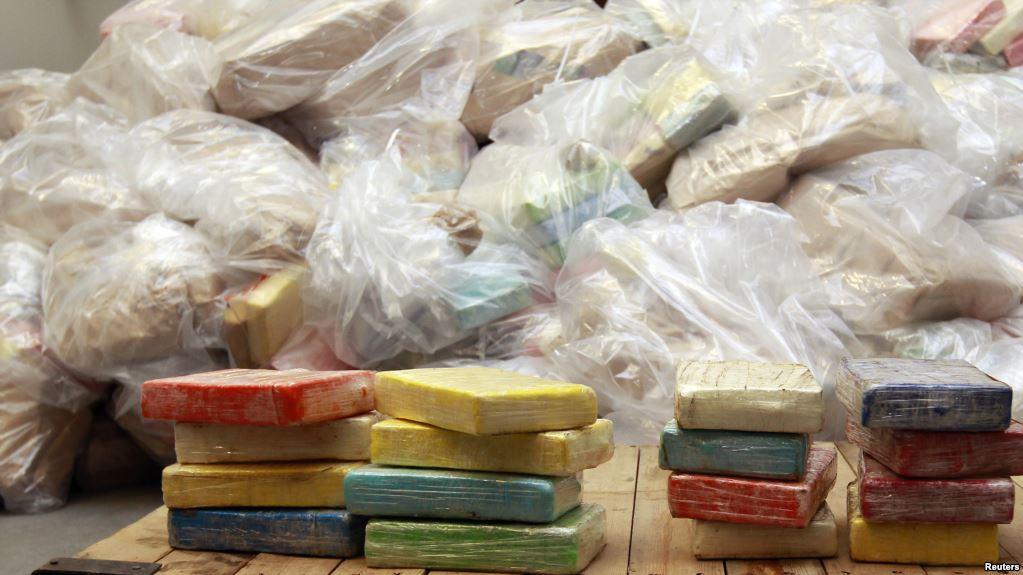 cerca de 850 quilos de cocaína e outras drogas pesadas queimadas pelo sic em luanda - DROGA - Cerca de 850 quilos de cocaína e outras drogas pesadas queimadas pelo SIC em Luanda