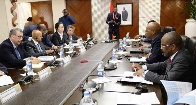 - FMI3 - Angola e FMI querem dívida abaixo dos 90 por cento do PIB