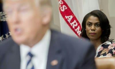 """- TRUMP E ESSESSORA 400x240 - Após vazamento de gravação, Trump chama ex-assessora de """"cadela"""""""