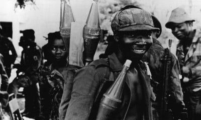 """angola vai homenagear """"os seus mortos"""" - Guerra Angola 400x240 - Angola vai homenagear """"os seus mortos"""""""
