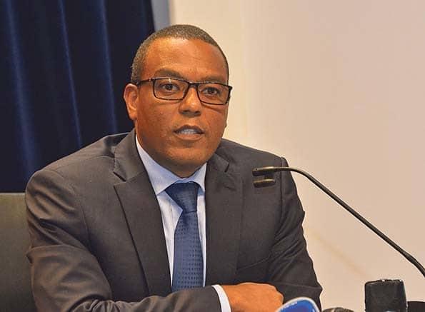 - Jos   Massano - BNA determina limites para pagamentos em Angola