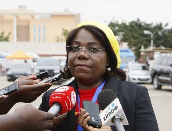 - Lu  sa Dami  o 560x427 - Vice-presidente do MPLA entrega donativos no Cunene