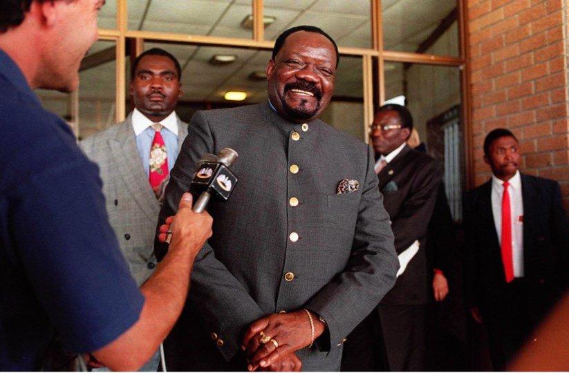 [object object] - savimbi - Exames de ADN confirmam ossadas de Jonas Savimbi